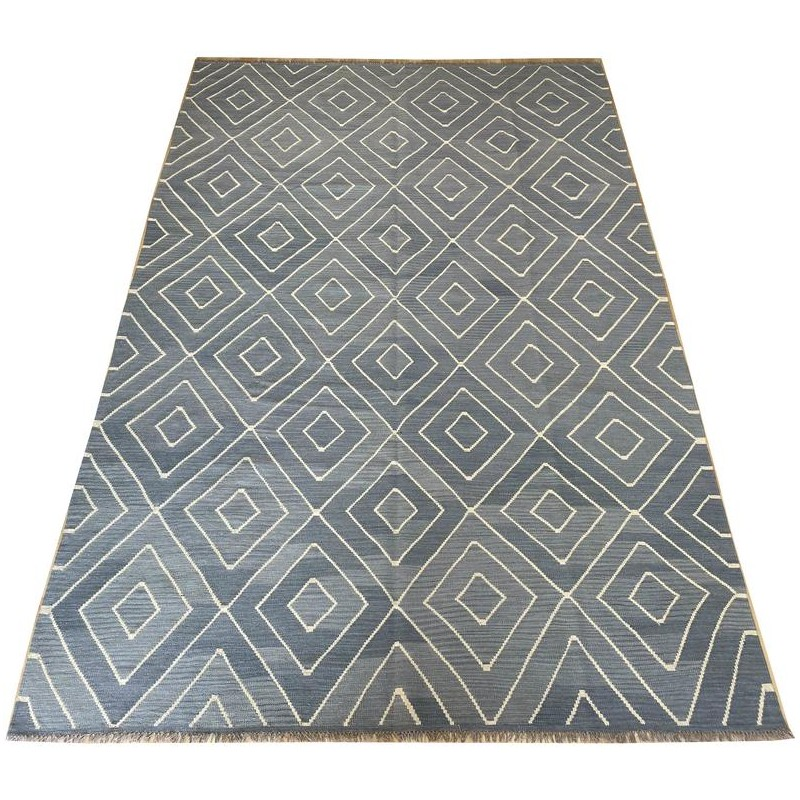 Contemporary beautiful hand made organic dyed woolen kilim. 302 x 200 cm